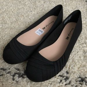 American Eagle by Payless 8.5W black flats